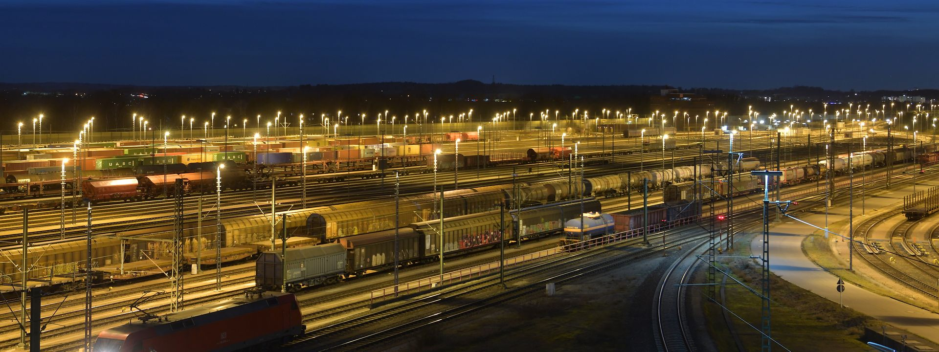 Railway tracks at night DB Cargo
